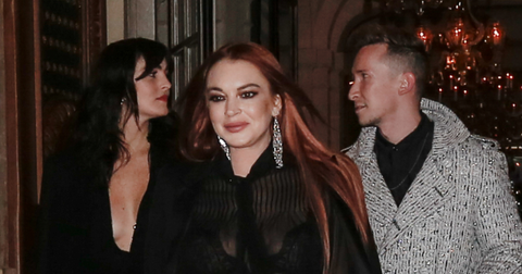 lindsay-lohan-sued-not-writing-book