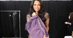 2011__02__camila_alves_feb14_5272 300×199.jpg