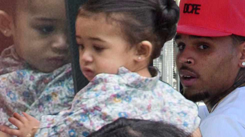 Chris brown visits daughter royalty photos