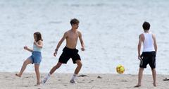 Victoria & David Beckham's Kids on the beach in Miami