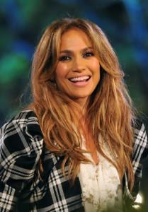 2011__04__Jennifer_Lopez_April21news 209×300.jpg