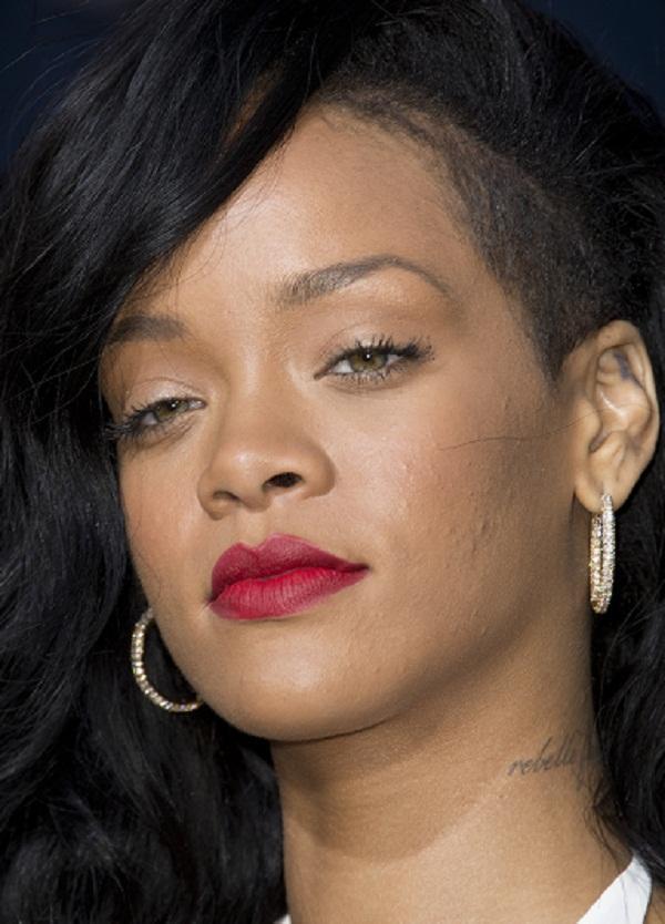 Rihanna august 25 0001.jpg