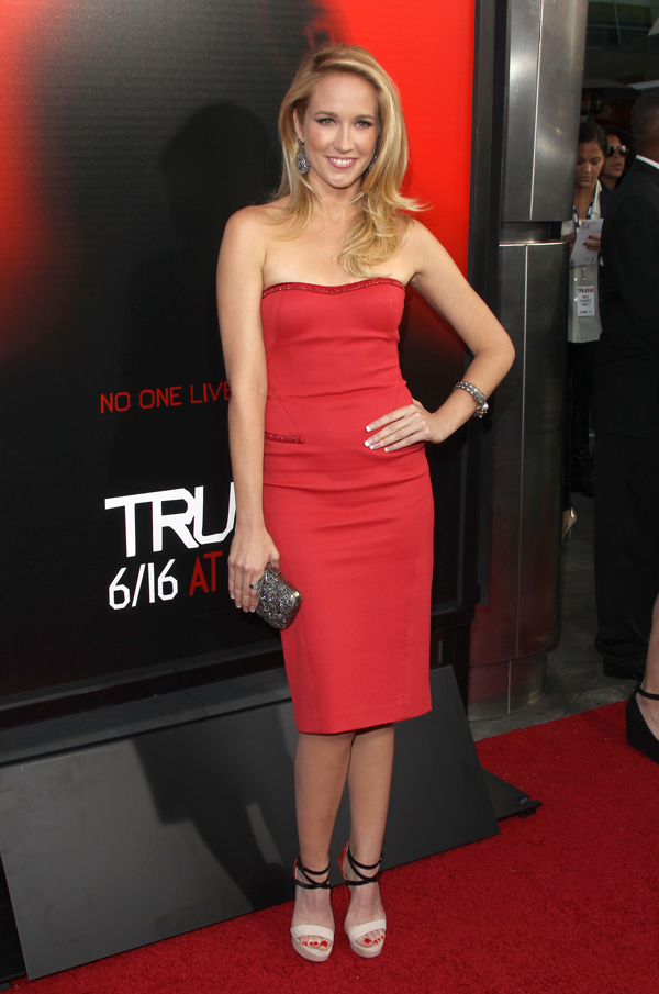 Spl560237_016 ok_062813_news_anna camp