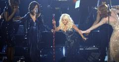 2011__02__Christina_Aguilera_Feb14news 300×201.jpg
