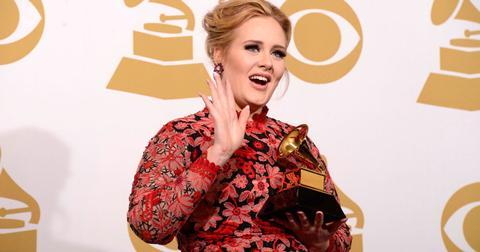 adele waving grammy