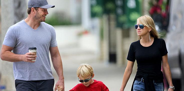 Chris pratt walks with ex anna faris son pics