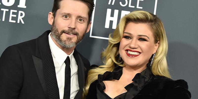 Kelly Clarkson Responds To Twitter Troll Over Standing In For Simon Cowell