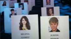 2011__08__Justin Bieber Selena Gomez VMA chart Aug26newsbt 226×300.jpg