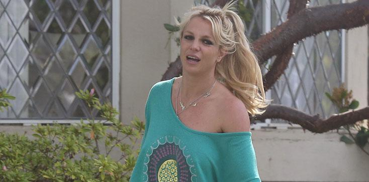 Britney Spears Braless Nip Slip
