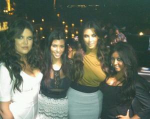 2010__09__Snooki_Kardashians_Sept28news 300×238.jpg