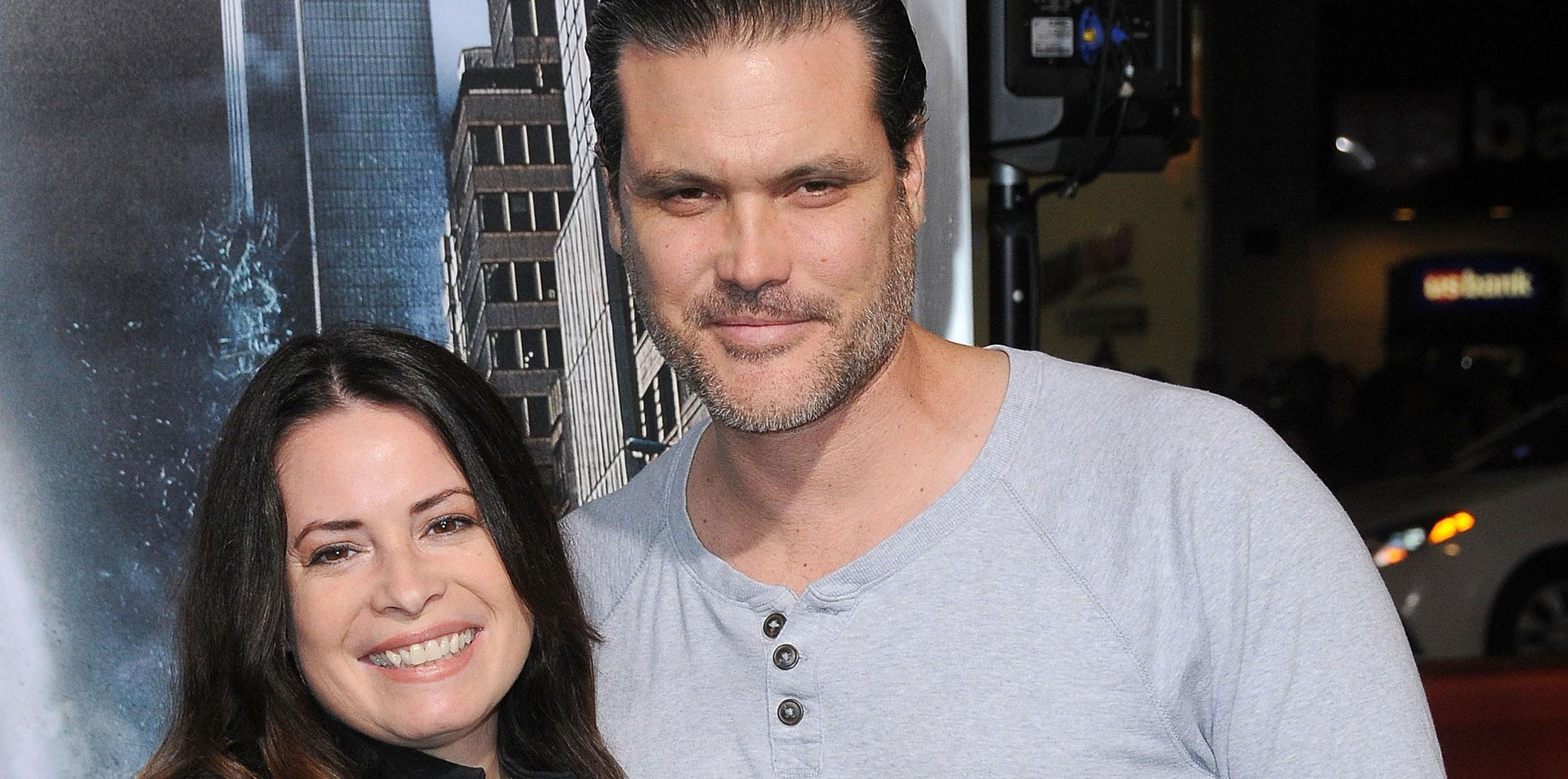 Holly marie combs pregnant wide