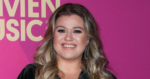 Kelly Clarkson Wearing All Black