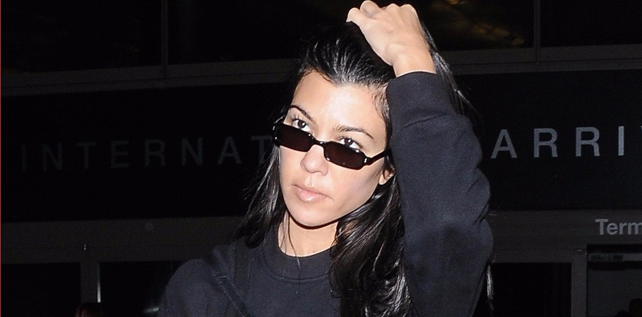 Kourtney kardashian airport