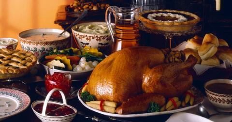 How To Eat Healthy And Manage Cravings During This Holiday Season