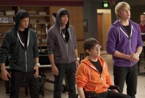 2011__02__Glee_JB_Feb16news 300×202.jpg