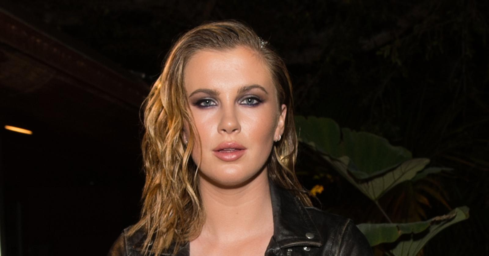 Bares All! Ireland Baldwin Goes Completely Nude In Beach