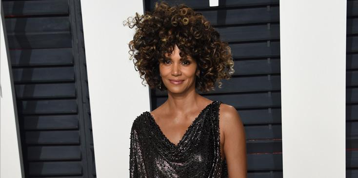 Celebrites arrive at the 2017 Vanity Fair Oscar Party