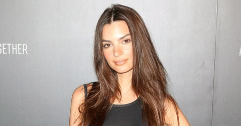 Emily Ratajkowski On Red Carpet for Story about Nede Baby Bump Selfie