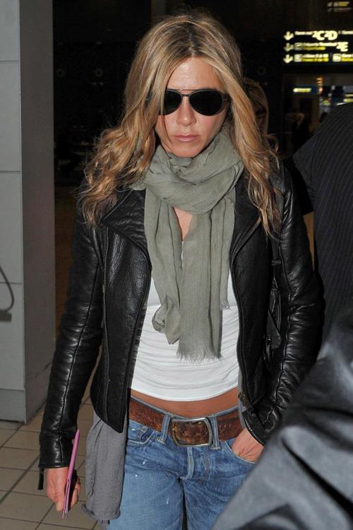 2010__03__Jennifer_Aniston_March26_04.jpg