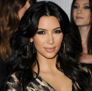 2011__08__Kim Kardashian Aug25newsbt 01 300×297.jpg