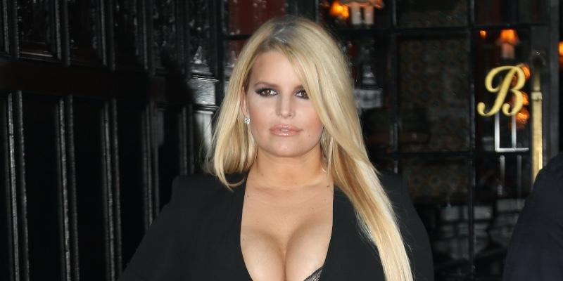 jessica-simpson-jeans-picture-weight-loss-journey