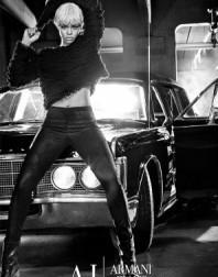 2011__09__Rihanna Armani Sept8news 198×300.jpg