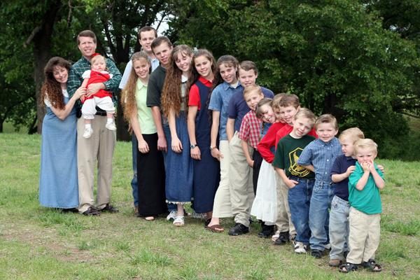 EXCLUSIVE: The Duggar family pictured in 2007