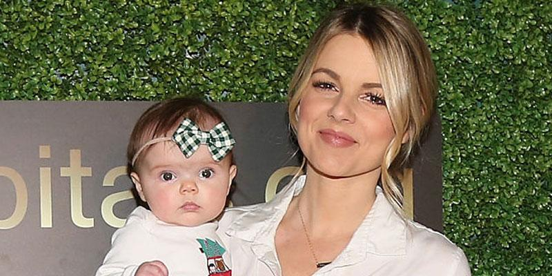 Ali Fedotowsky Poses With Daughter Mom Shamed Nanny