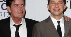 2011__03__Charlie_Sheen_John_Cryer_March1_news 300×270.jpg