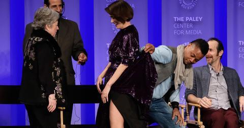 Cuba gooding jr lifts sarah paulson skirt