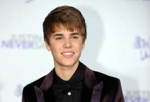 2011__02__Justin_Bieber_FEb9_9300211 300×204.jpg