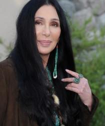 2011__07__Cher_July15newsnews 210×300.jpg