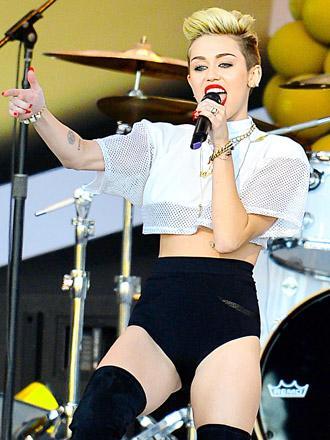 Miley cyrus jimmy kimmel rmain.jpg