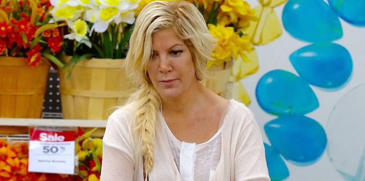 Exclusive… Tori Spelling Out Shopping For Birthday Supplies