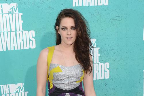 Kristen_stewart mtv movie awards june4 0001_m.jpg