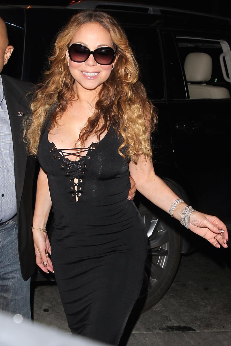 Mariah Carey Suffers Wardrobe Malfunction Again