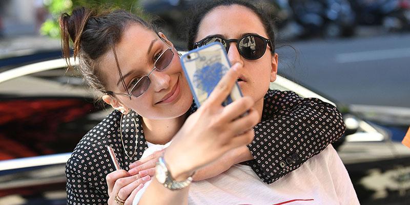 Bella hadid selfies fans main