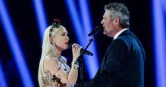 [Gwen Stefani] Posts Edited Throwback Pic of [Blake Shelton]'s Face On Ex's Body
