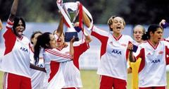 Parminder Nagra and Keira Knightley, in their soccer uniforms, shared a triumphant moment in Bend it Like Beckham.