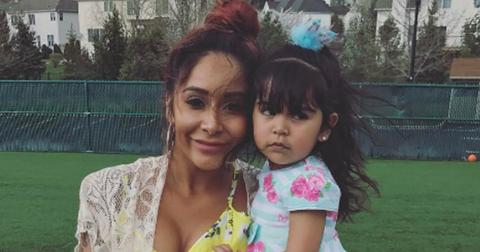 Snooki daughter giovanna look so much alike its scary hero