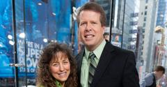 """Robert Wagner And The Duggar Family Visit """"Extra"""""""