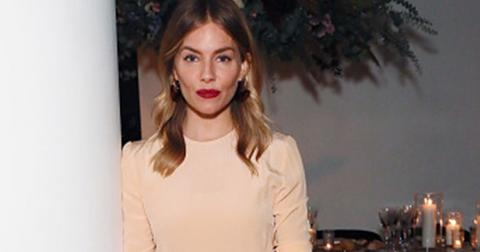 Sienna miller visa img fashion holiday dinner pics
