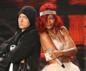 2010__12__Eminem_Rihanna_Dec2news 300×247.jpg