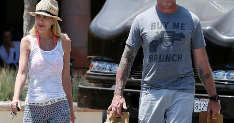 Tori Spelling and Dean McDermott get some healthy drinks at a local store in Malibu