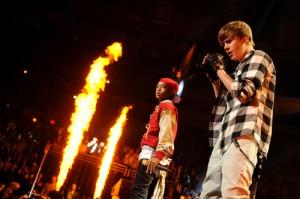 2011__01__Justin_Bieber_Jaden_Smith_Grammys_Jan20newsnea 300×199.jpg