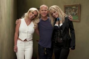 2010__08__Britney_Spears_Glee_Aug23newsne 300×199.jpg