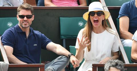 Hilary swank marries philip schneider main