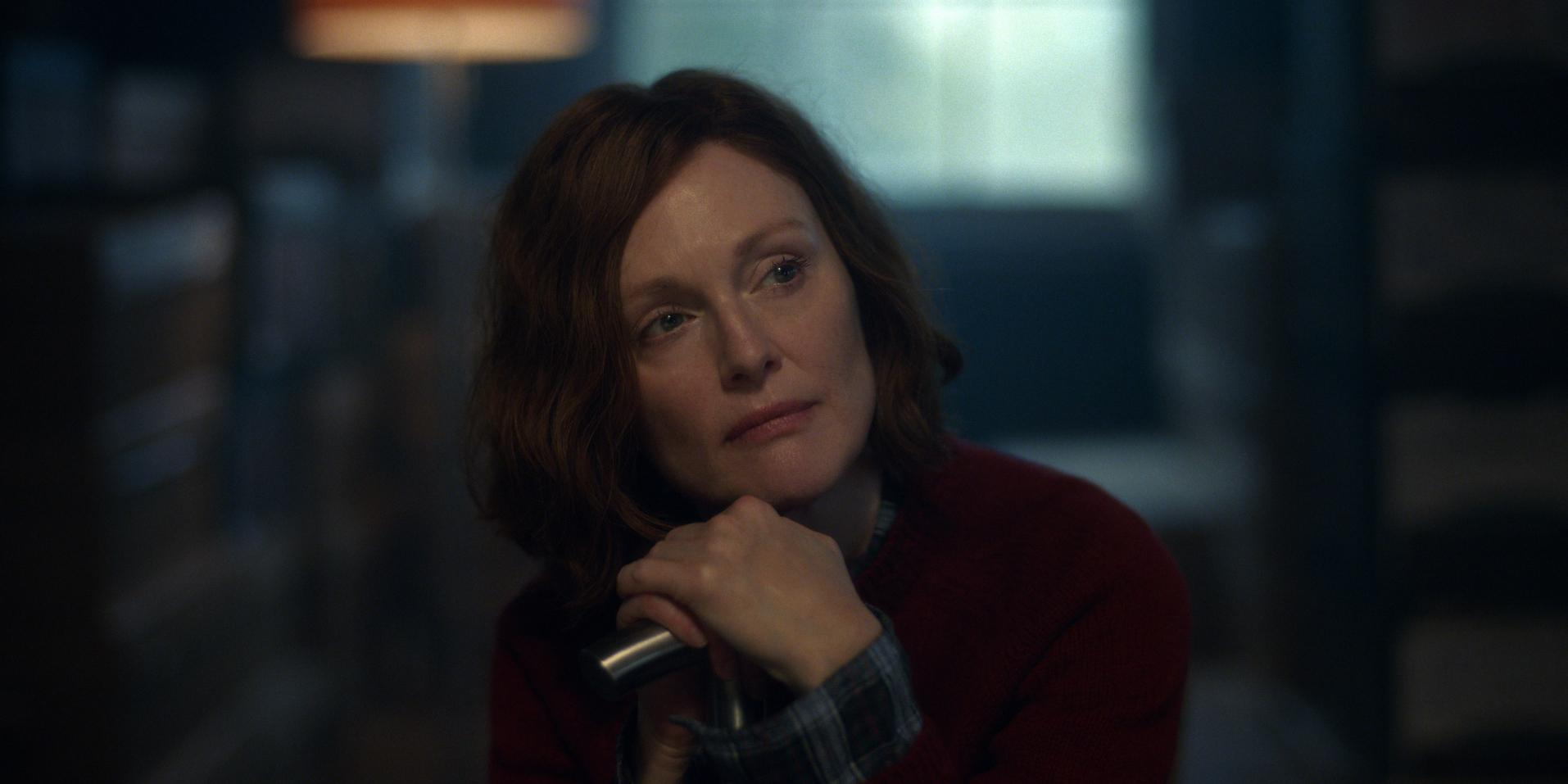 julianne moore examines anxiety big fan of therapy liseys story