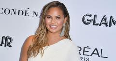 Chrissy teigen body post pic