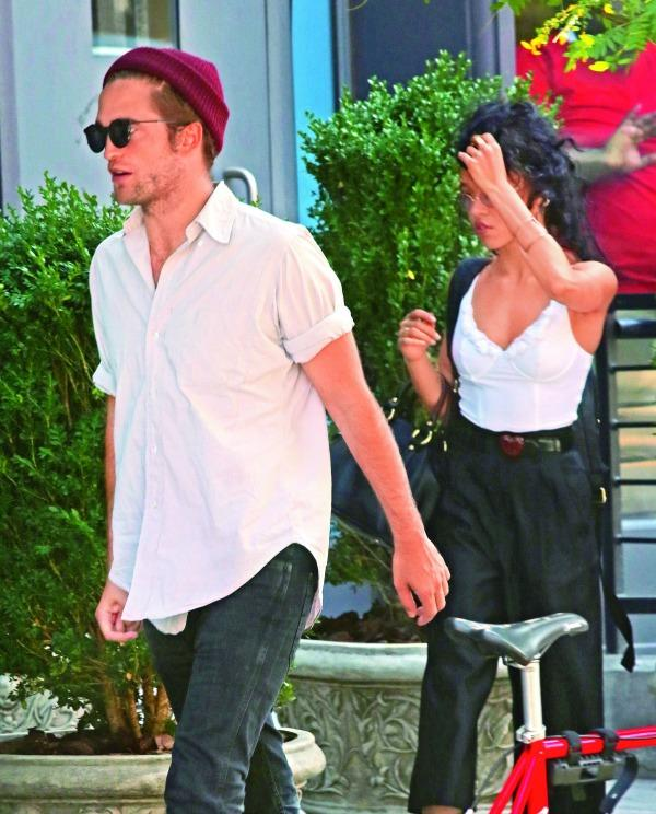 Robert Pattinson new girlfriend